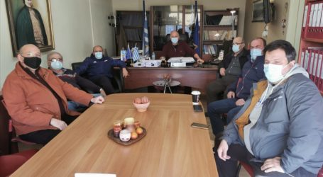 Έκτακτη σύσκεψη της Πολιτικής Προστασίας στον Δήμο Ρήγα Φεραίου