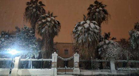 Καρέ – καρέ ο χιονισμένος Βόλος και τη νύχτα σε 20 εικόνες
