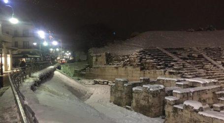 Μια μαγική βραδινή βόλτα στη χιονισμένη Λάρισα (πλούσιο φωτορεπορτάζ)
