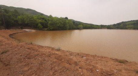 Εργασίες καθαρισμού της λίμνης Σκήτης του δήμου Αγιάς (φωτο)