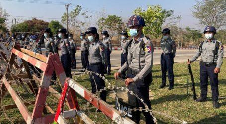 Στρατιώτες στο δημαρχείο της πόλης Γιανγκόν