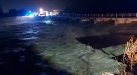 Οι έντονες βροχοπτώσεις «φούσκωσαν» τους ποταμούς Αχερώνα και Τσικνιά