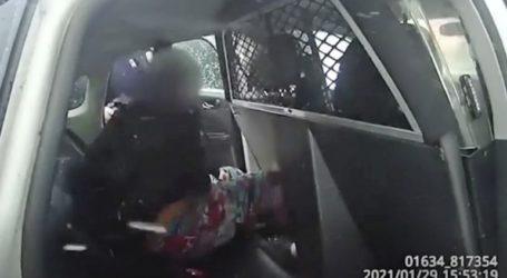 Σε διαθεσιμότητα αστυνομικοί που πέρασαν χειροπέδες και έριξαν σπρέι πιπεριού σε 9χρονη