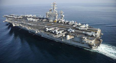 Το αεροπλανοφόρο USS Nimitz αποχωρεί από το Ιράν