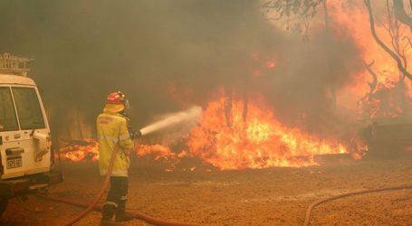 Οι πυροσβέστες κατάφεραν να θέσουν υπό έλεγχο μία από τις επτά εστίες πυρκαγιάς που μαίνονται στο Περθ