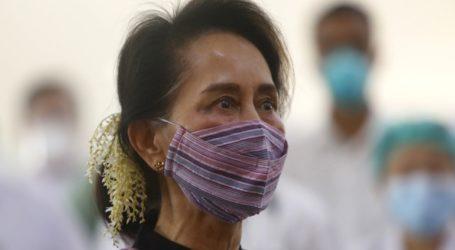 Το Λονδίνο καταδικάζει την απαγγελία κατηγοριών σε βάρος της Αούνγκ Σαν Σου Τσι