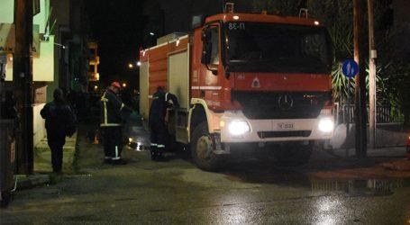 Πυρκαγιά σε φανοποιείο στο Περιστέρι