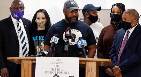 Ένας λευκός αστυνομικός διώκεται για τη δολοφονία ενός Αφροαμερικανού