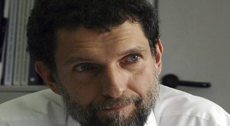 Ο επιχειρηματίας Οσμάν Καβαλά παραμένει στη φυλακή