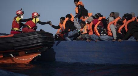 Το Ocean Viking με τους 422 πρόσφυγες που διέσωσε πλέει προς Σικελία