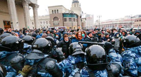 Η αστυνομία συλλαμβάνει με ψηφιακό face control διαδηλωτές