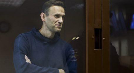 Σε νέα δίκη, κατηγορούμενος για «δυσφήμηση», προσήχθη ο Αλεξέι Ναβάλνι