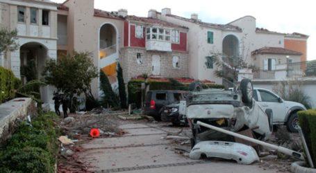 Μεγάλες ζημιές στο Τσεσμέ από ανεμοστρόβιλο που έπληξε την επαρχία της Σμύρνης