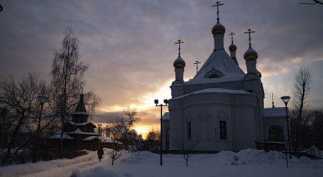 Σφοδρή χιονόπτωση στη Μόσχα δημιουργεί μεγάλα προβλήματα στην κυκλοφορία