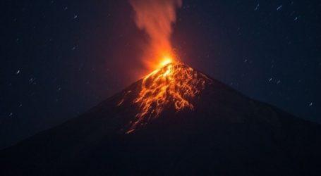 Σε φάση έκρηξης εισήλθε εκ νέου το ηφαίστειο Φουέγο