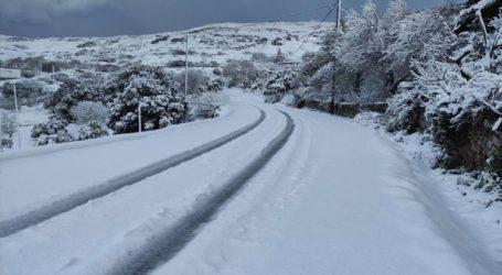 Σφοδρές χιονοπτώσεις και διακοπές ρεύματος στην Πάρο
