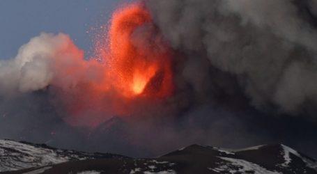 Κλειστό το αεροδρόμιο της Κατάνης λόγω της νέας θεαματικής έκρηξης της Αίτνας
