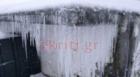 Έντονες χιονοπτώσεις στο Οροπέδιο Λασιθίου