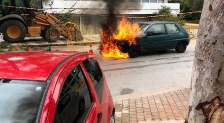 Γλυφάδα: Αυτοκίνητο τυλίχτηκε στις φλόγες