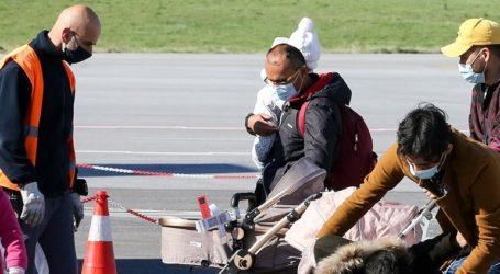 Δεύτερη πτήση με 122 πρόσφυγες από τη Λήμνο στο Ανόβερο