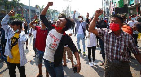 Δύο διαδηλωτές νεκροί και πολλοί τραυματίες