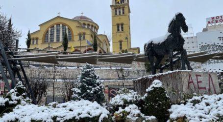 Κακοκαιρία: Πέφτει 15 βαθμούς ο υδράργυρος τις επόμενες ώρες, χιόνι την Κυριακή μέσα στη Λάρισα