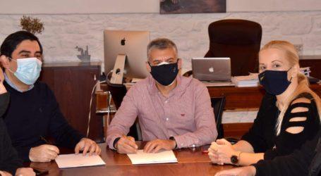 Υπογράφηκε η σύμβαση για το νέο αποχετευτικό δίκτυο σε Κουκουναριές και Τρούλο στο νησί της  Σκιάθου
