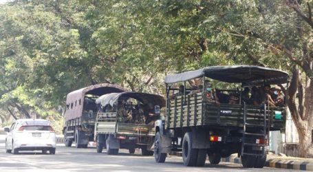Οι στρατηγοί της Μιανμάρ δεν άντεξαν τη Δημοκρατία