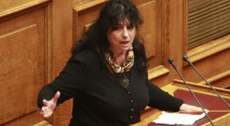 Βαγενά: «Εγκλεισμός για τους Έλληνες, ελεύθερη μετακίνηση για τους τουρίστες»