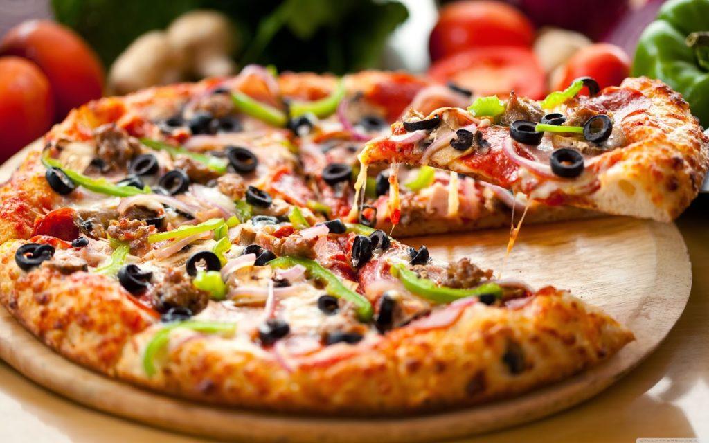 delicious pizza wallpaper 3840x2400 1
