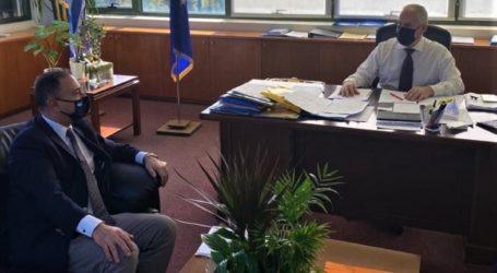 Συνάντηση Κέλλα με Υφυπουργό Περιβάλλοντος – Ένταξη Πλαταμώνα στα τοπικά χωρικά σχέδια