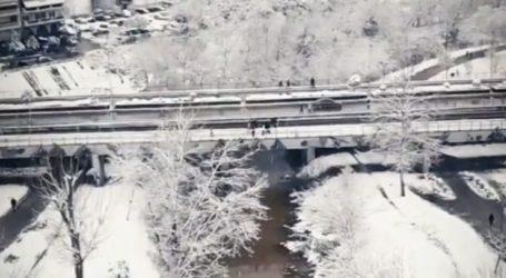 Μαγεύει από ψηλά η χιονισμένη Λάρισα – Δείτε εντυπωσιακό βίντεο