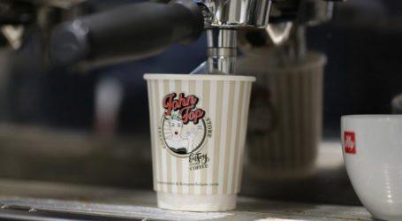 """Το καφέ """"John Top"""" άνοιξε τις πόρτες του στο λαρισαϊκό κοινό για να συνεχίσει το success story του ιστορικού καφέ της δεκαετίας του ΄80 (φωτό)"""