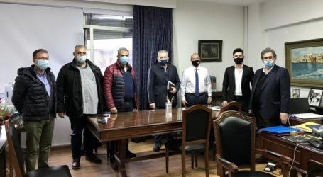 Χαρακόπουλος με αγελαδοτρόφους στο ΥΠΑΑΤ: Να διασφαλιστούν οι ενισχύσεις για την αγελαδοτροφία