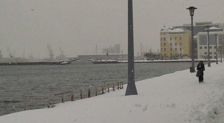 Για πυκνές χιονοπτώσεις και ισχυρούς ανέμους προειδοποιεί το Κεντρικό Λιμεναρχείο Βόλου