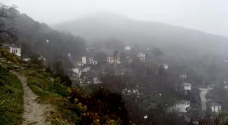 Μάρτης, γδάρτης: Χιονίζει στο Πήλιο
