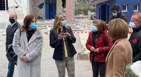 Στο σχολείο που καταστράφηκε από τους σεισμούς η Υφυπουργός Παιδείας