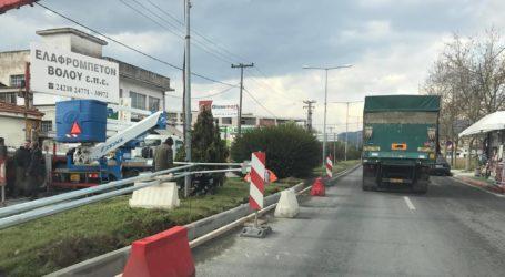 Βόλος: Μποτιλιάρισμα λόγω έργων στη Λαμπράκη – Συνεχίζονται οι εργασίες στον κυκλικό κόμβο Αθηνών [εικόνες]