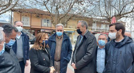 """Για """"υποστήριξη και φροντίδα"""" στους σεισμόπληκτους δεσμεύτηκε η υφυπουργός Υγείας Ζωή Ράπτη"""