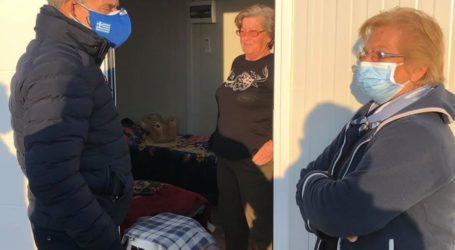 Εγκαταστάθηκαν οικογένειες σε οικίσκους στο Βλαχογιάννι – Αύριο στο Μεσοχώρι και τις επόμενες ημέρες στο Δαμάσι (φωτο)