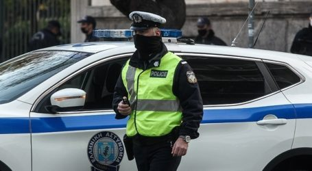 Πρόστιμα συνολικού ύψους 473.000 ευρώ και τέσσερις συλλήψεις για παραβίαση των μέτρων την Τρίτη
