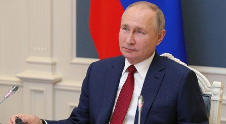 Πάνω από 2 εκατ. Ρώσοι έχουν εμβολιαστεί