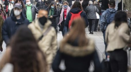 Οι καταναλωτές έσπευσαν να αγοράσουν rapid test που πωλούνται από τα σουπερμάρκετ