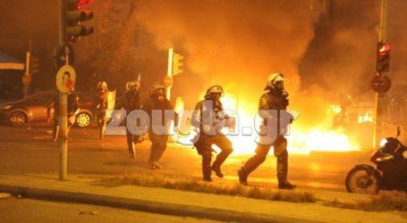 Τρεις τραυματίες αστυνομικοί στα επεισόδια στη Νέα Σμύρνη