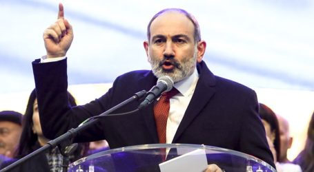 Οι ένοπλες δυνάμεις επαναλαμβάνουν το αίτημά τους για παραίτηση του πρωθυπουργού