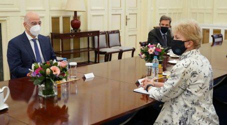Συνάντηση του Ν. Δένδια με την Ειδική Απεσταλμένη του ΟΗΕ για το Κυπριακό