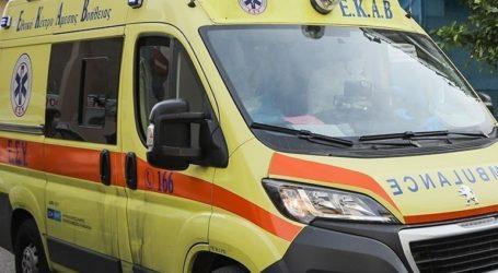 Νεαρός άνδρας οδηγήθηκε στο νοσοκομείο με τραύματα στην κοιλιακή χώρα