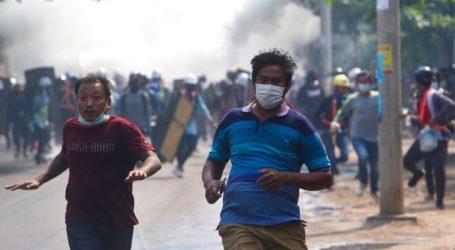 Δώδεκα νεκροί κατά την καταστολή διαδηλώσεων στη Μιανμάρ