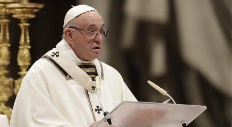 Ο πάπας Φραγκίσκος ζητά από τις εμπόλεμες πλευρές στη Συρία να καταθέσουν τα όπλα
