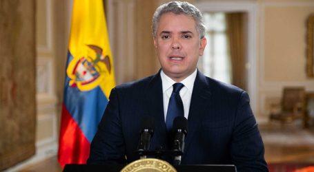 Ο πρόεδρος της Κολομβίας προσφέρεται να κάνει το εμβόλιο της AstraZeneca για να πείσει ότι είναι ασφαλές